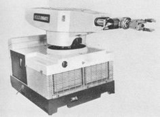 Primer robot industrial sencillo UNIMATE.