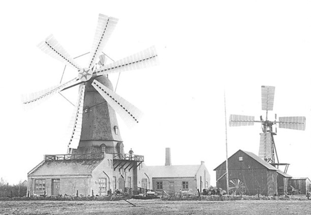 1891, the Dane Poul La Cour developed the first electrical output wind machine