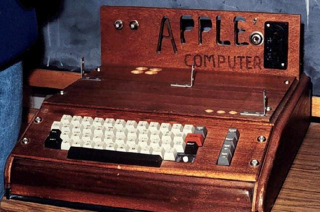 Sale a la venta la primera apple 1