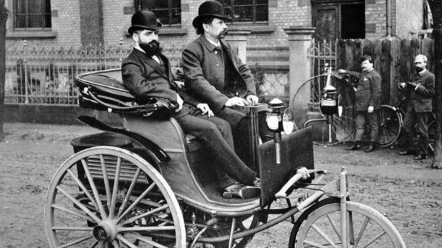 Automóvil o coche de gasolina
