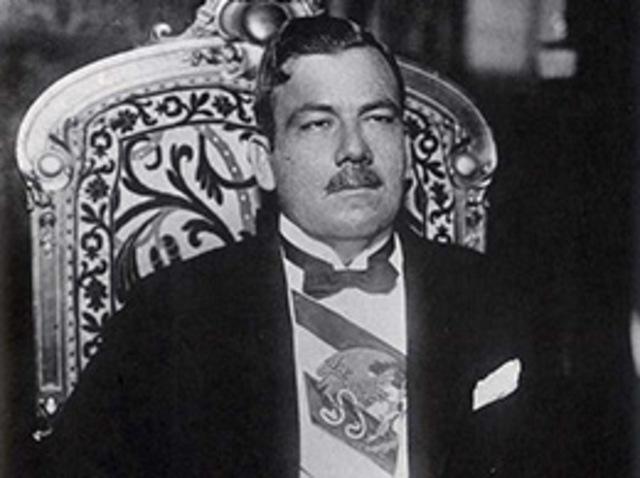 Plutarco Elías Calles presidente de la república