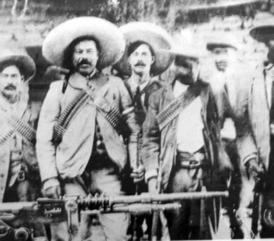 Francisco Villa y Pascual Orozco toman Ciudad Juárez.