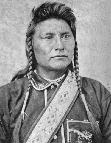 Chief Joseph Speaks to His People Before Retreat