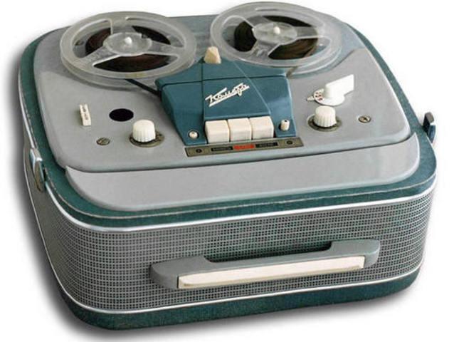 Первый бобинный (катушечный) магнитофон
