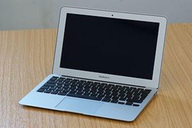 Сверхлегкий субноутбук от Apple