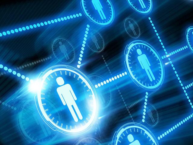 Сеть Интернет связывает 689 млн. человек и 172 млн. хостов