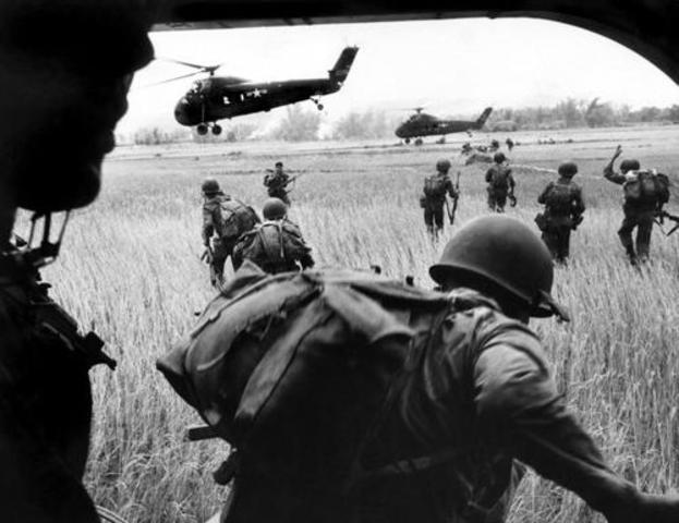 Первый послевоенный мировой экономический кризис начался в конце 1957 года
