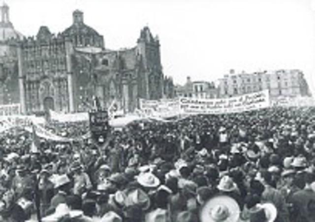 Lázaro Cárdenas es apoyado.