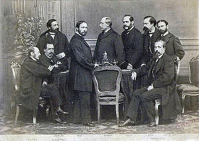 Creación del Consejo de Ministro.