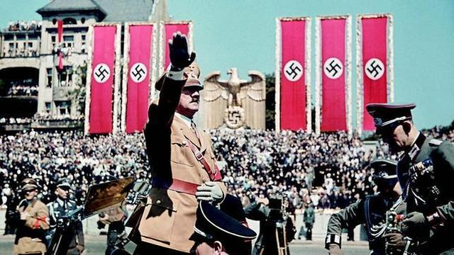 se establece un régimen totalitario en alemania