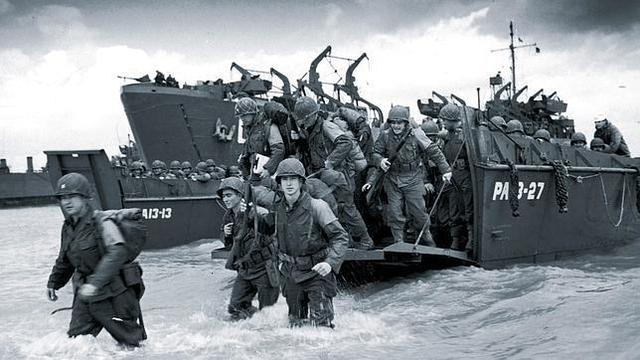 Los aliados inician el desembarco de Normandía.
