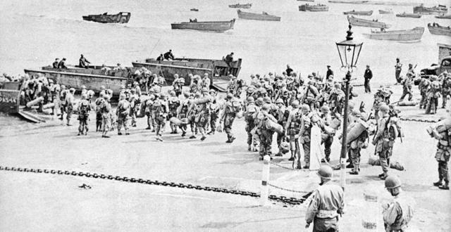 Los aliados derrotan a Alemania en la batalla de Normandía.
