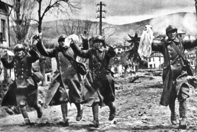 Los aliados derrotan a Alemania en la batalla de Las Ardenas.
