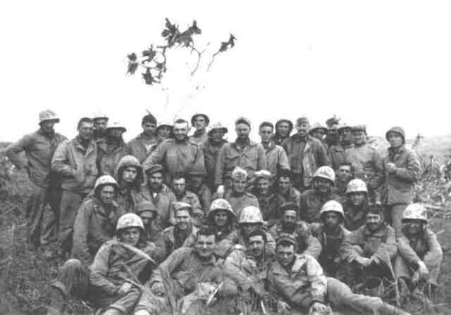 EE.UU. derrota a Japón en la batalla de Okinawa.