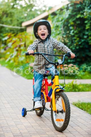 Vaig en bici sense rodetes