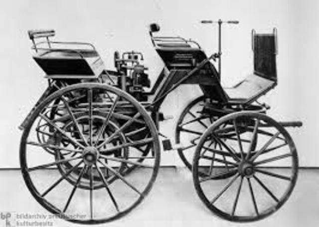 Primeiro carro com 4 rodas