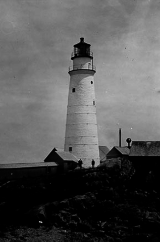 1st lighthouse built in north America (Boston)