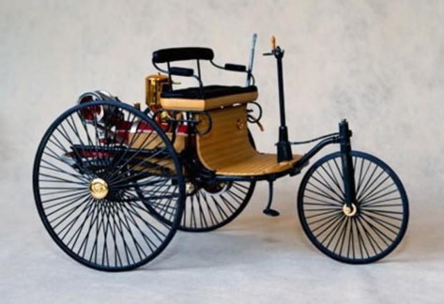 Primeiro veículo motorizado