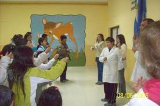 Se funda escuela nacional de sordos