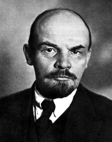 Etapas de Lenin - Comunismo en guerra (1917-1921)
