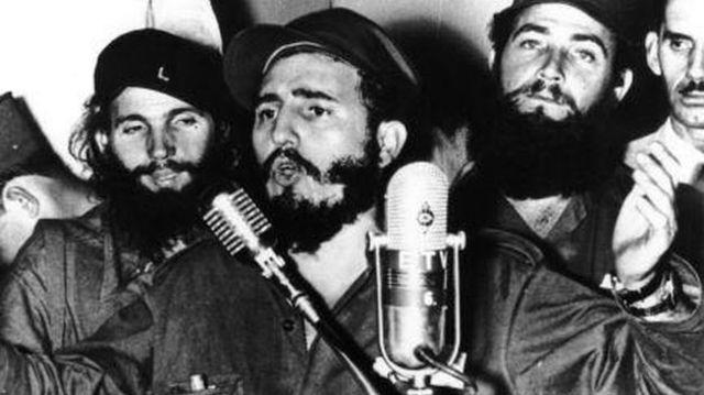 Fidel Castro toma el poder en Cuba