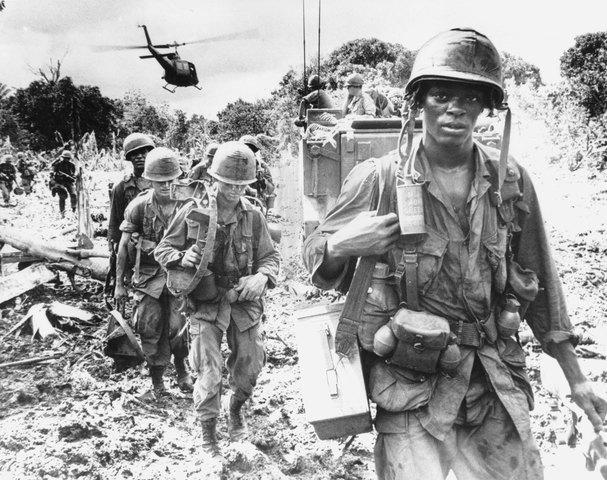 Llegan las primeras tropas de combate estadounidenses a Vietnam