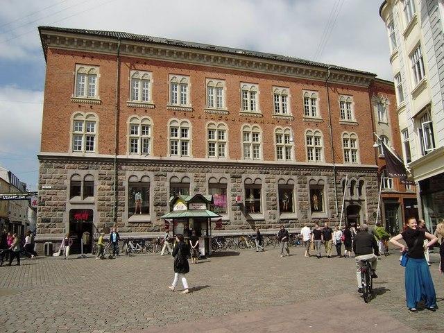 H&M Lille torv 6