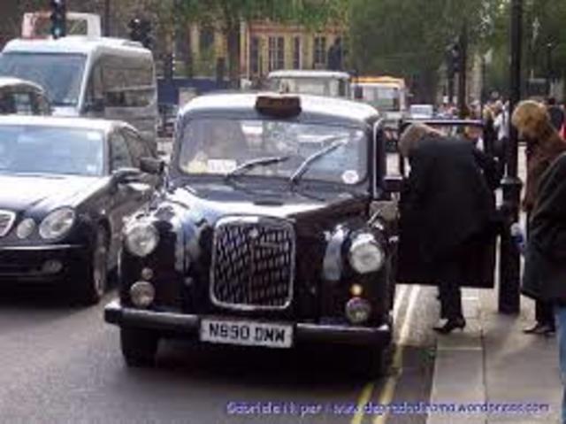 Os primeiro táxis motorizados