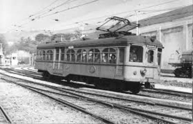 Primera línea Comercial de Tren
