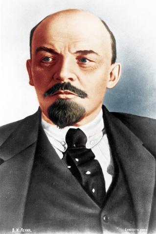 В.И. Ленин слушает музыку Шопена.