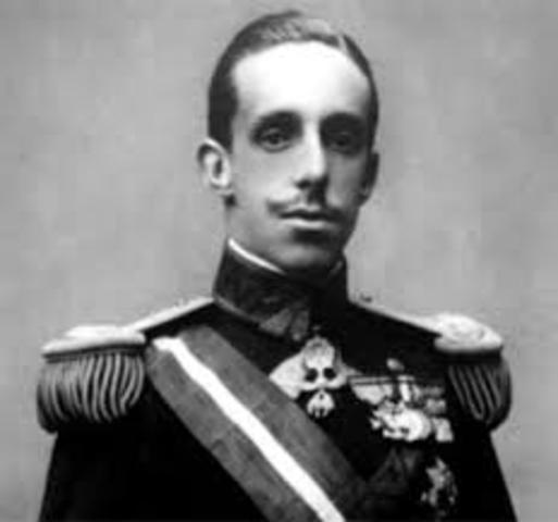 Alfonso XIII accede al trono