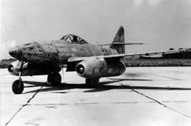 Primer Vuelo Del Messerschmitt Me 262, El Primer Avión Con Motor a Reacción Operativo