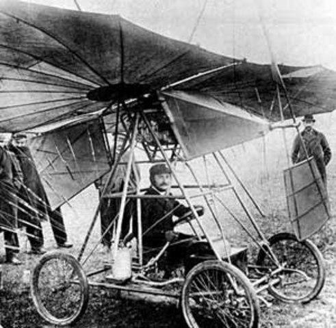 Vuela El Primer Avión Monoplano