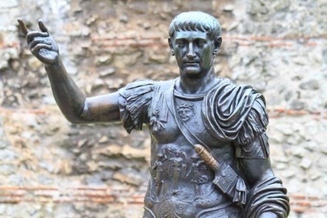 Trajano (98-117) primer emperador de origen provincial