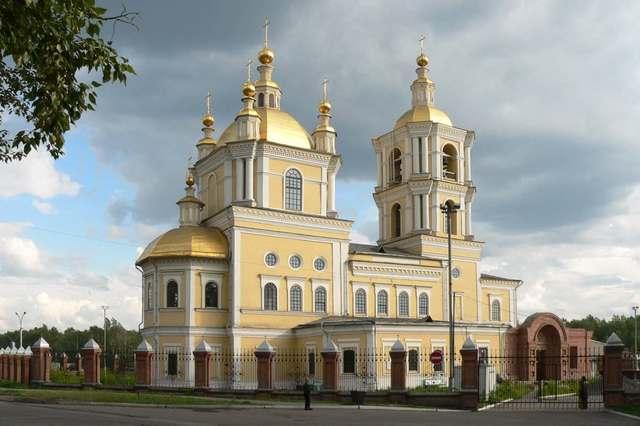 1621. Воздвигнут первый храм – деревянная церковь (Спасо-Преображенская церковь).
