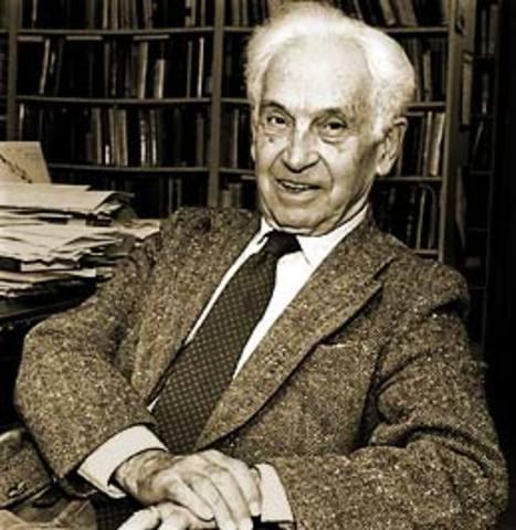 Ernst Mayr develops the Biological Species Concept