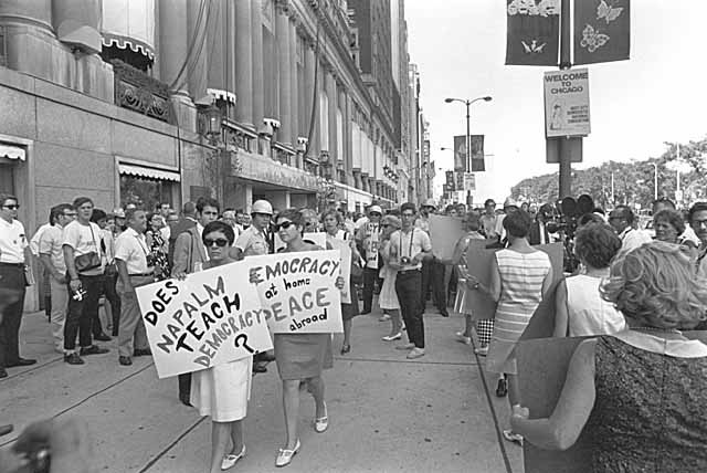 Riots at Democratic National Convention in Chicago