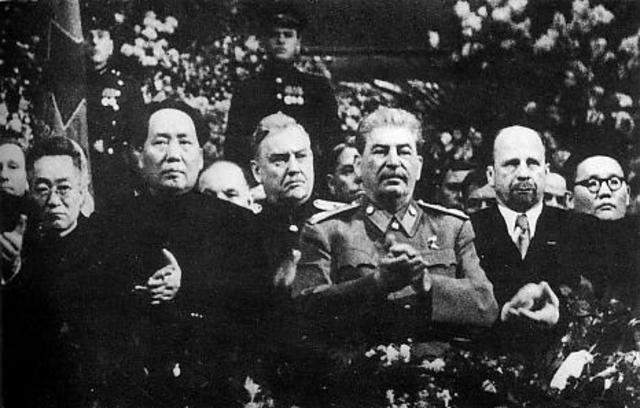 China wordt communistisch