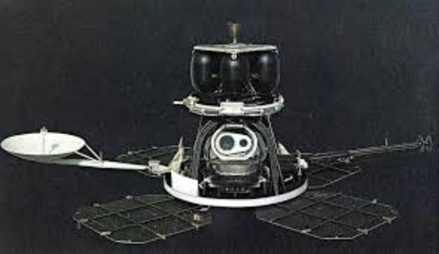 Luna Orbiter 1