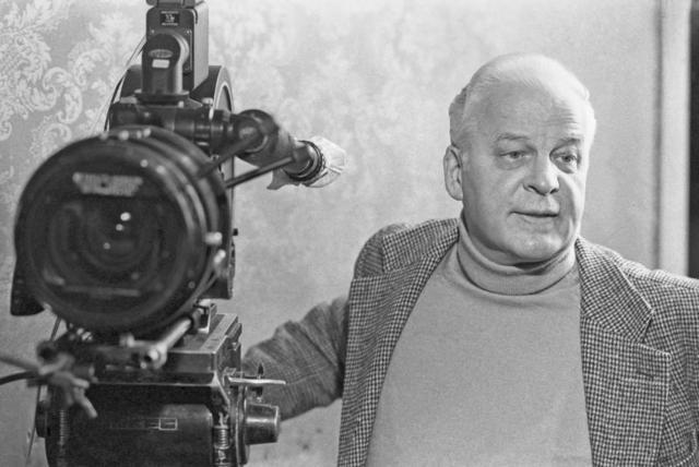Станислав Ростоцкий(Автор сценария и режиссер)
