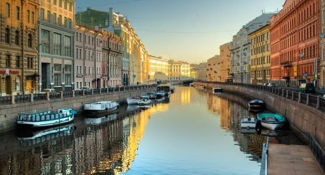 Peter finds St.Petersburg