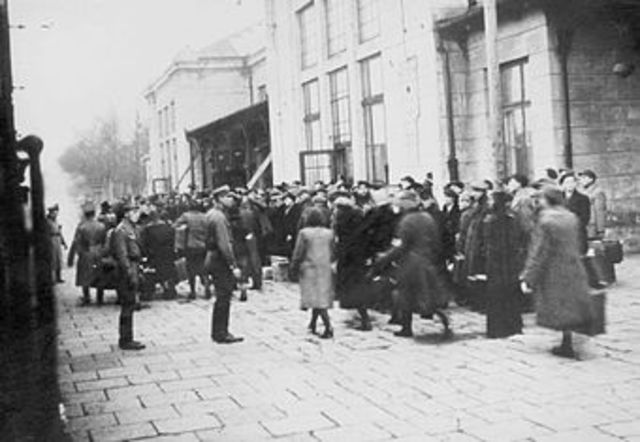 1500 Jews removed from Sosnowiec