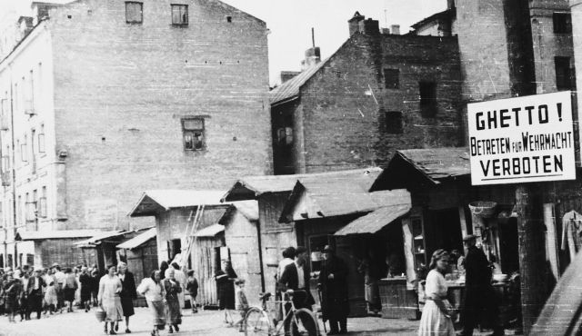 All Jews in Sosnowiec forced to move to a ghetto