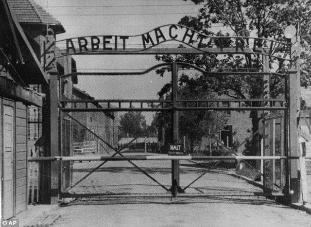 2000 Jews sent from Sosnowiec to Auschwitz