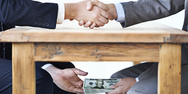 Power Relations between the Financial Circles and the State