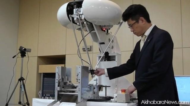 Робот Panasonic «Parallel link» способен обучаться