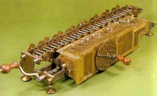 Gottfried Wilhelm Leibniz Maquina de Calcular