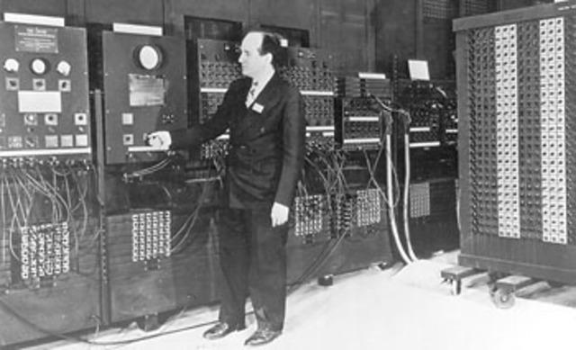 Presper Eckert y John William Mauchly UNIVAC 1