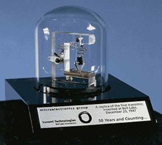 John Bardeen, William Shockley, Walter Brattain Invención del transistor de contacto puntual