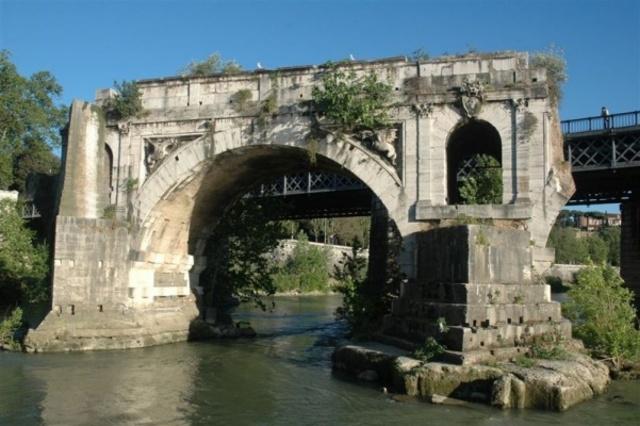 Construcción del puente Emilio.